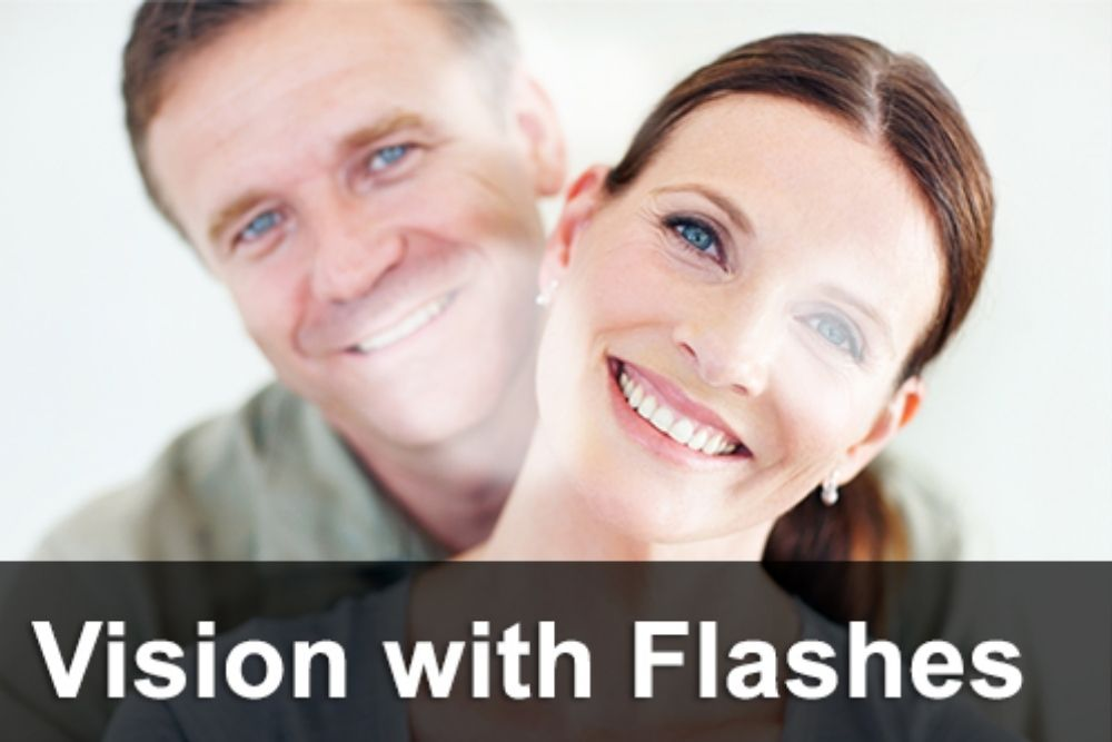 comparison between eye floaters and flashes