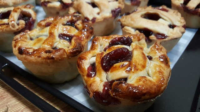Cherry pies we made to share at hanami.