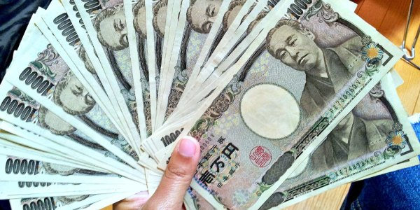 Make Extra Money in Japan - Yen