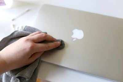 Laptop Screen Cleaning Tips - Microfiber Cloth