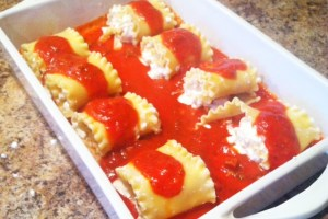 Chicken and Cheese Lasagna Rollups