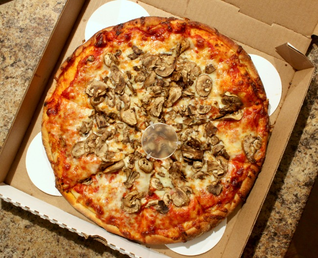 main street pizza with mushrooms