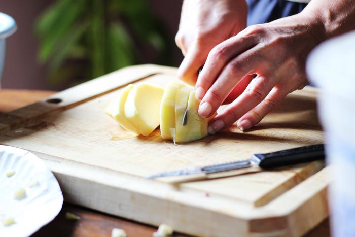 cutting-potato