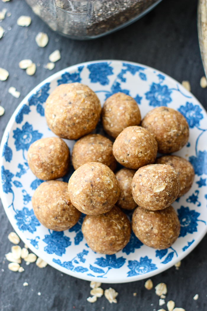 healthy peanut butter oatmeal energy balls