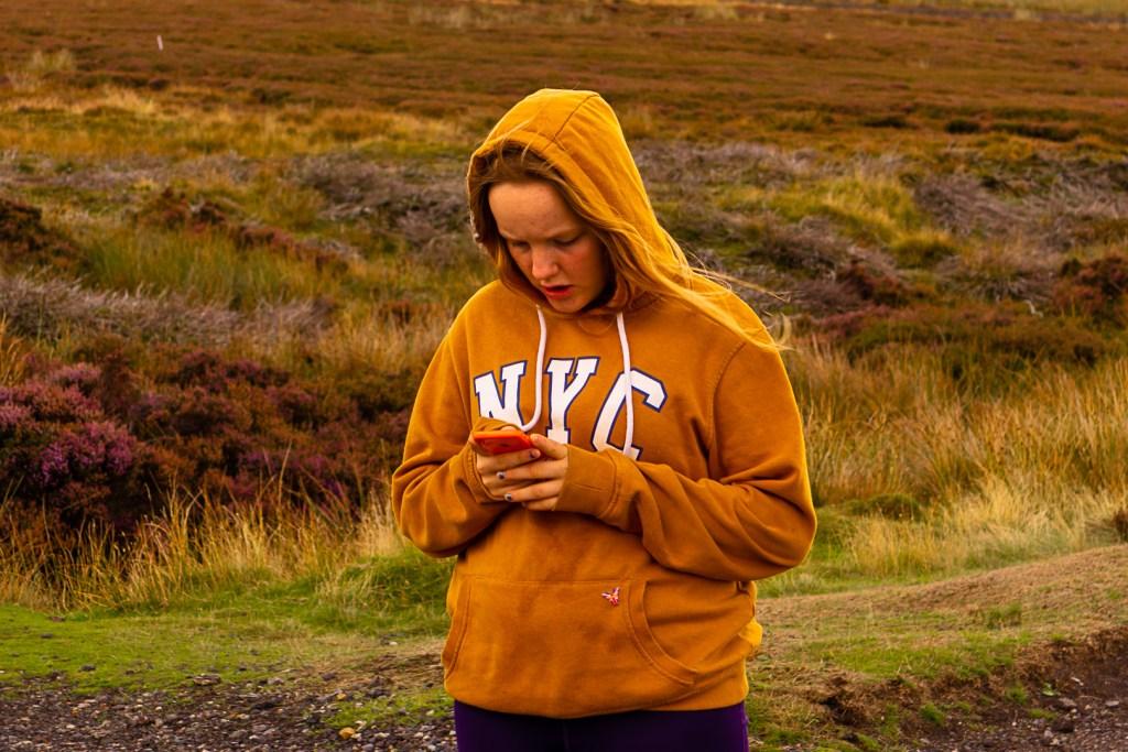 teenager mobile phone social media