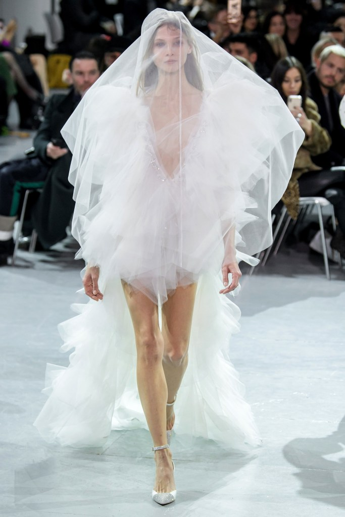 couture spring 2019 runway fashion style valentine's day romantic pink red inspiration alexandre vauthier
