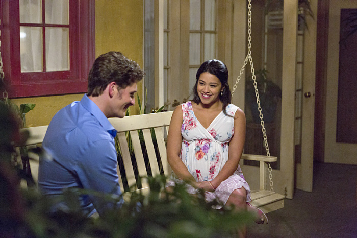 "Jane The Virgin -- ""Chapter Twenty-One"" -- Image Number: JAV121a_0286.jpg -- Pictured (L-R): Brett Dier as Michael and Gina Rodriguez as Jane -- Photo: Aaron Epstein/The CW -- © 2015 The CW Network, LLC. All rights reserved."