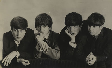 The-Beatles-Bored--374577