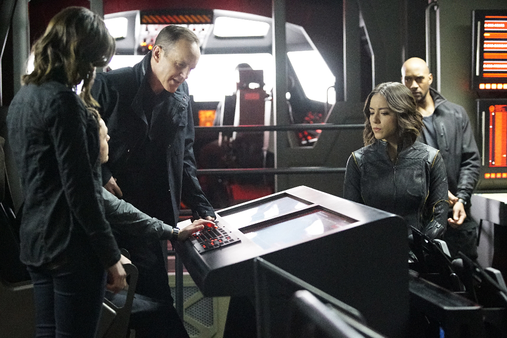 "MARVEL'S AGENTS OF S.H.I.E.L.D. - ""Parting Shot"" - Bobbi and Hunter become ensnared in an assassination plot after tracking Malick to Russia. As S.H.I.E.L.D. races to save the lives on the line, the team is changed forever, on ""Marvel's Agents of S.H.I.E.L.D.,"" TUESDAY, MARCH 22 (9:00-10:00 p.m. EDT) on the ABC Television Network. (ABC/Kelsey McNeal) CLARK GREGG, CHLOE BENNET, HENRY SIMMONS"