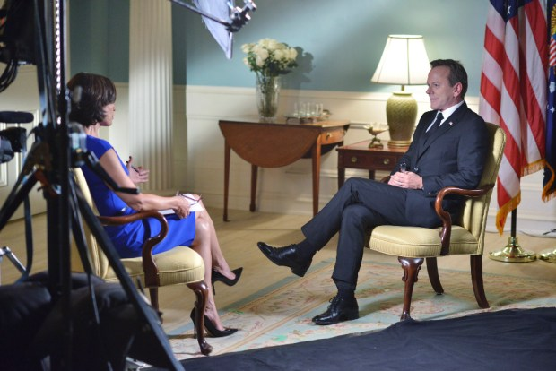 """DESIGNATED SURVIVOR - """"The Confession"""" – President Kirkman and his staff work to keep a high-level security breach of the White House a secret just as he's about to give his first television interview. Meanwhile, the FBI continues to investigate the Capitol bombing, and Agent Hannah Wells starts to develop her own theories about who was really behind the attack, on ABC's """"Designated Survivor,"""" WEDNESDAY, OCTOBER 5 (10:00—11:00 p.m. EDT). (ABC/Sven Frenzel) ELIZABETH VARGAS, KIEFER SUTHERLAND"""