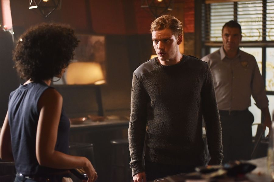"TV Review: Shadowhunters (2x03) ""Parabatai Lost"""