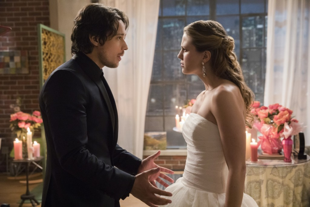 "TV Review: Supergirl 2x13 ""Mr. and Mrs. Mxyzptlk"""