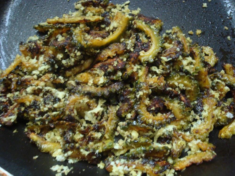 Pavakkai Karamedu (Bitter gourd curry) (2/3)
