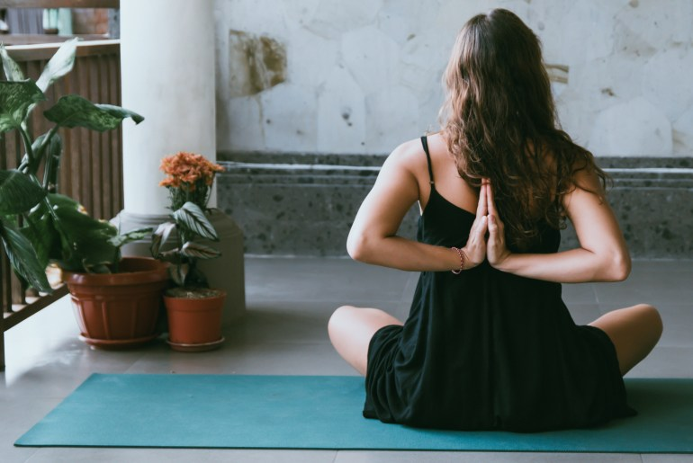 Yoga for beginners: Yoga for back pain, yoga poses and yoga sequences