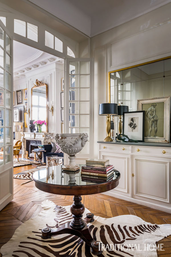 fabulous interior of Paris apartment, such great home decor inspiration