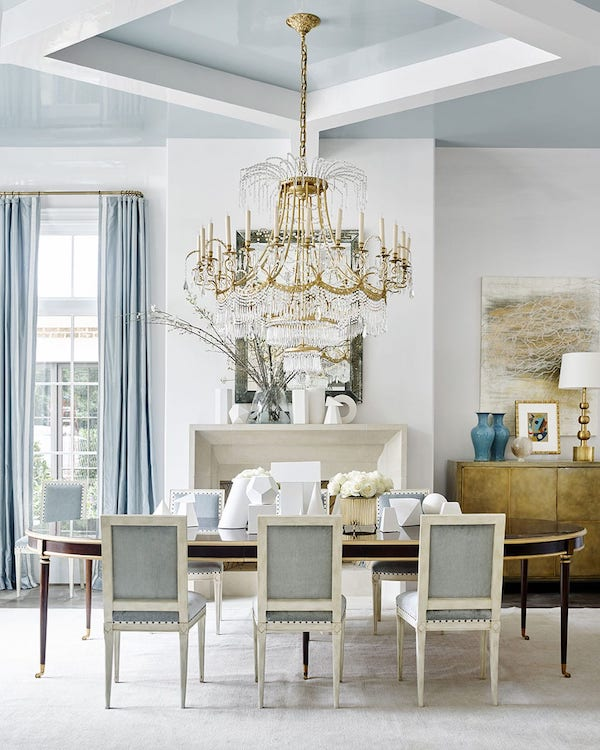 Suzanne Kasler using Benjamin Moore white dove paint in a dining room