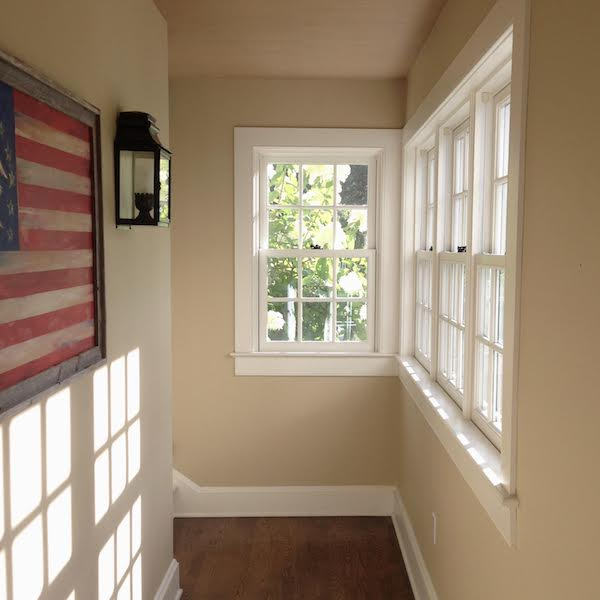 Benjamin Moore Putnam Ivory on hallway walls with natural light