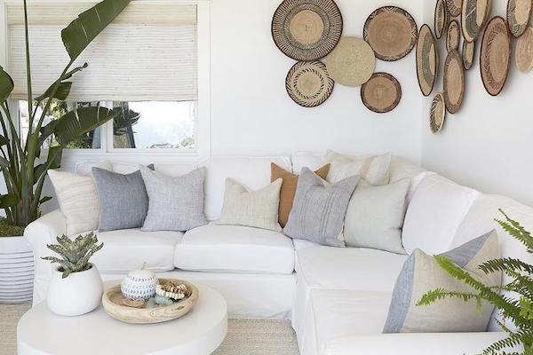 How To Perfectly Style The Blank Wall Behind Your Sofa The Zhush