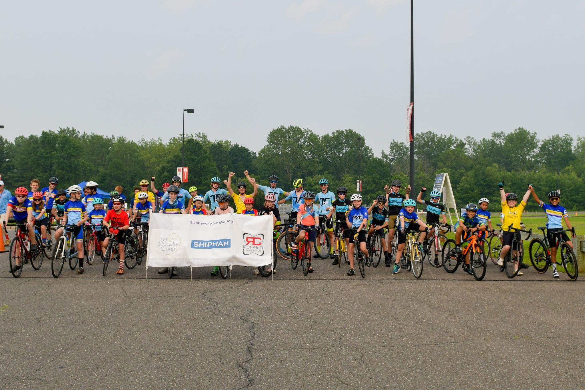 bike racers lining up for event