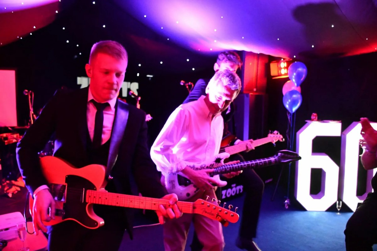 party band in wargrave, party band in berkshire, band for 60th, the zoots