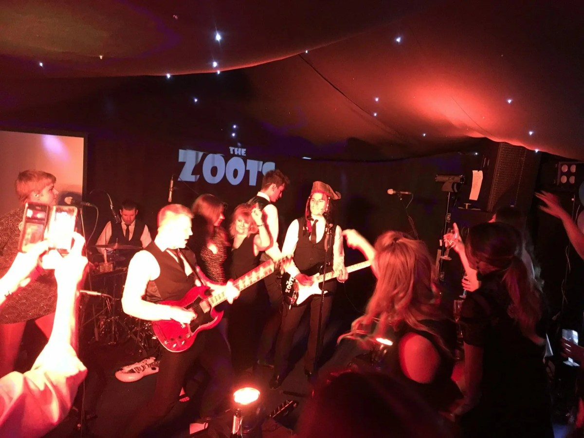 Wiltshire wedding band, band in wiltshire, Wiltshire party band, Wiltshire band, Live music, Band in wiltshire, The Zoots, Zoots band, The Zoots wedding band, Band in Berkshire