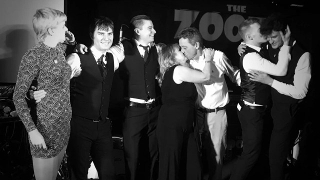 partyband in wargrave, party band in berkshire, band for 60th, the zoots