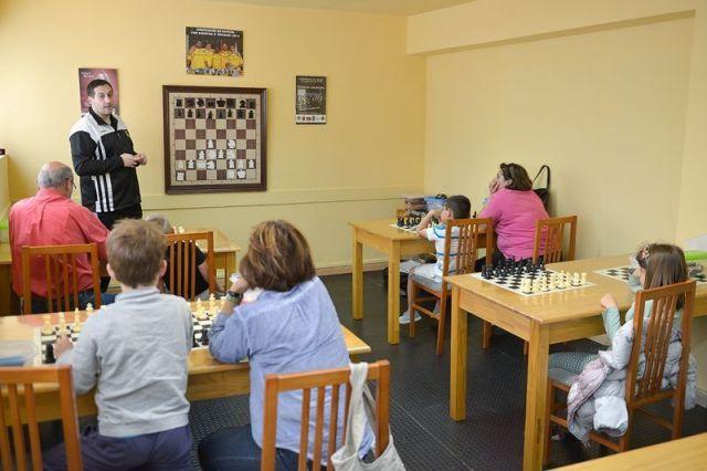 ajedrez hiperactividad