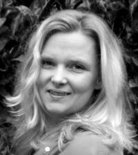 Author Marisa Noelle