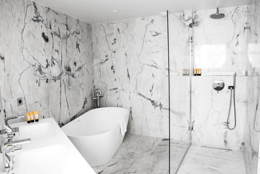 Cassis - Les Roches Blanches - Hotel - Bathroom goal