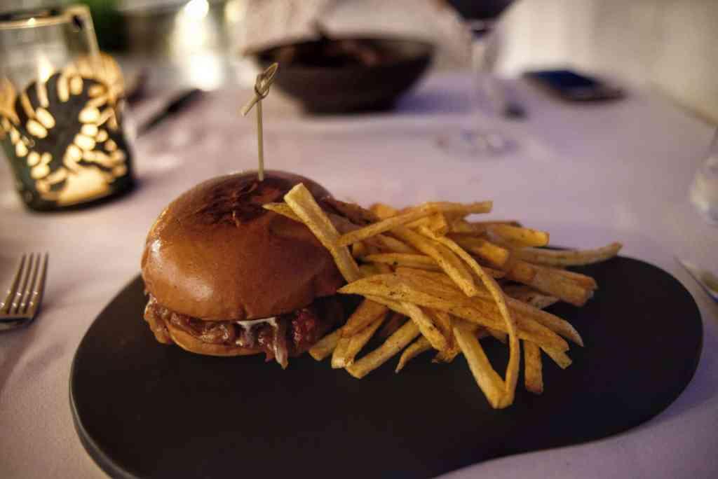Katikies Hôtel | Restaurant | Repas Hamburger