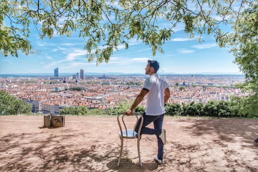 Vue sur Lyon depuis les hauteurs / jardin