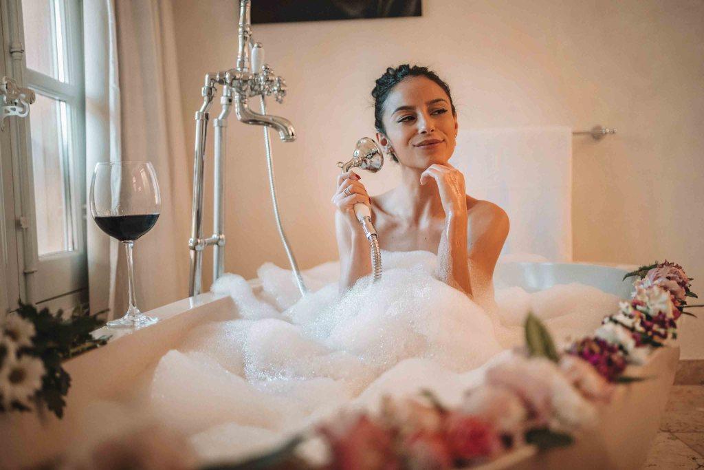 La Maison d'Aix - Love Suite - Moment détente baignoire