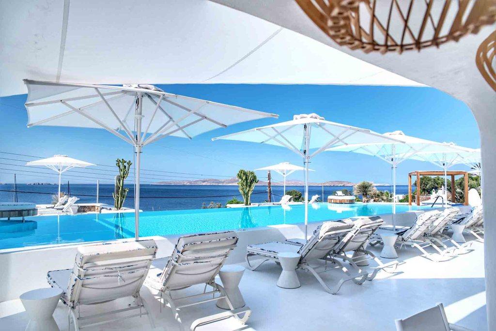 Katikies Hôtel Mykonos | Piscine du bas avec vue mer