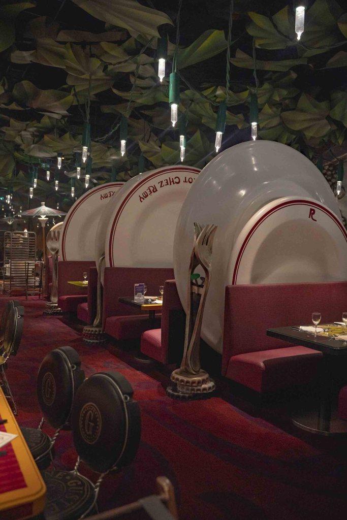 Restaurant Ratatouille - chef Remy qui cuisine - Disneyland Paris