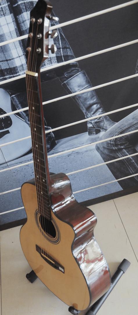 Đàn guitar giá rẻ m47