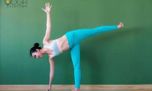 Bài tập yoga: Half Moon