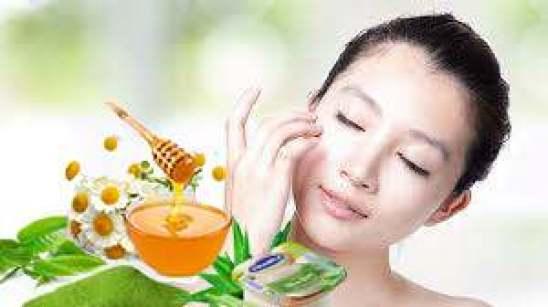 trị thâm mụn bằng mật ong+sửa và trà xanh