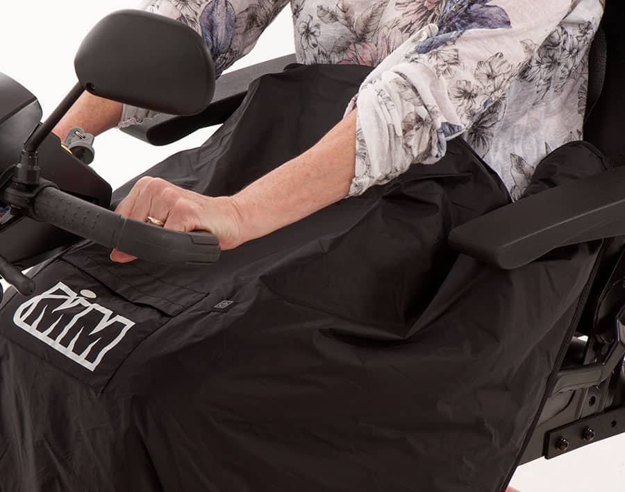 Monarch Mobility waterproof heated blanket image