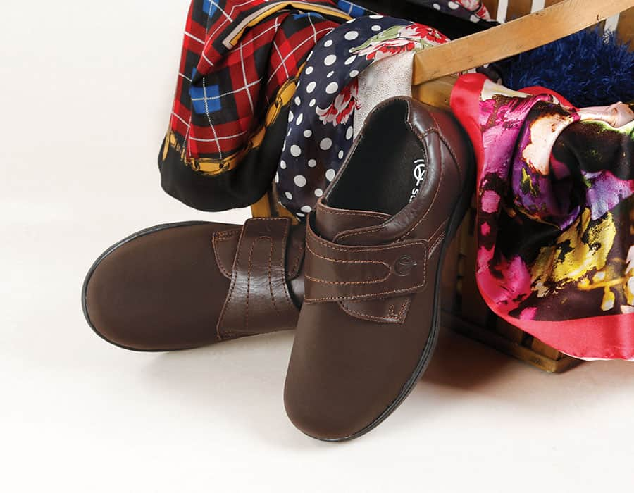 Walford Ladies Extra Wide Shoes image