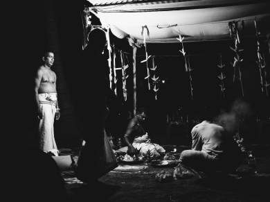 """In this project I documented the antyesti """"last sacrifice"""" funeral rite of my grandmother in 2015. Here you can see the early morning poosai one month after her cremation and few hours before the ashes will get thrown into the sea."""