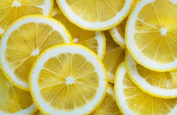 DIY Lemon Moisturizer