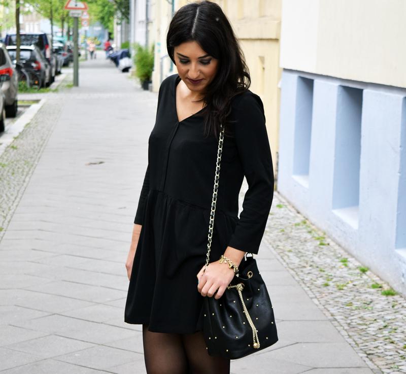 Outfit Post Schwarzes Kleid