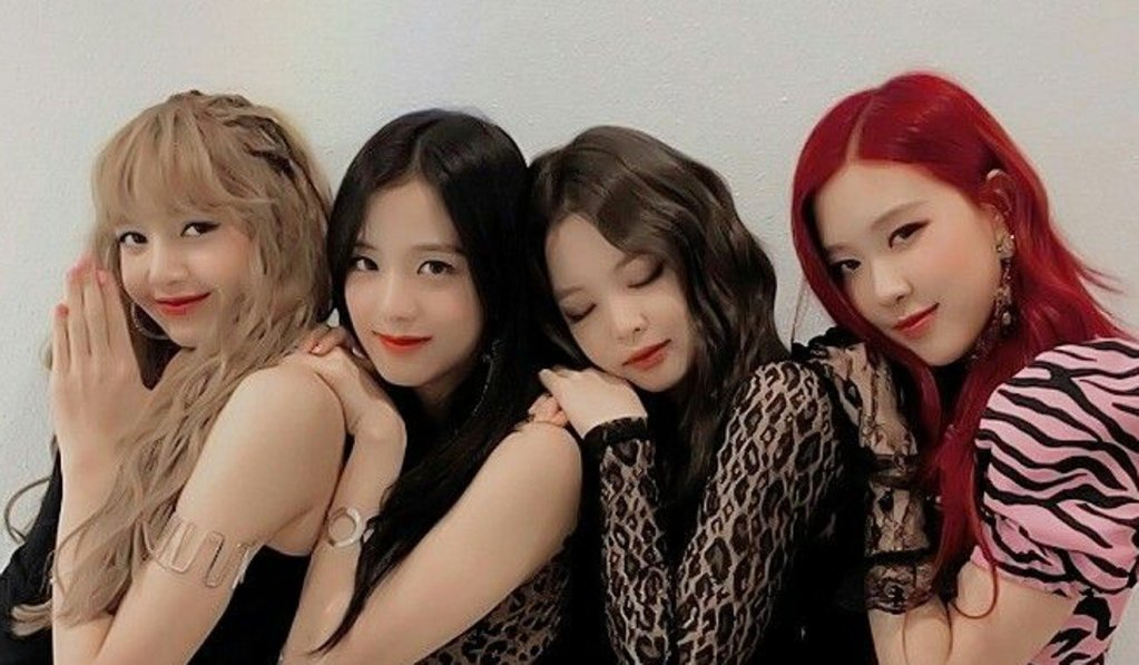 blackpink kpop group lisa jennie rose jisoo