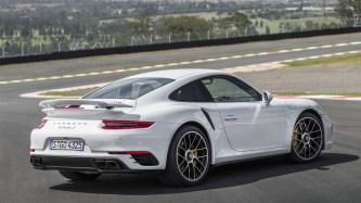 04-2017-porsche-911-turbo-s-fd-1