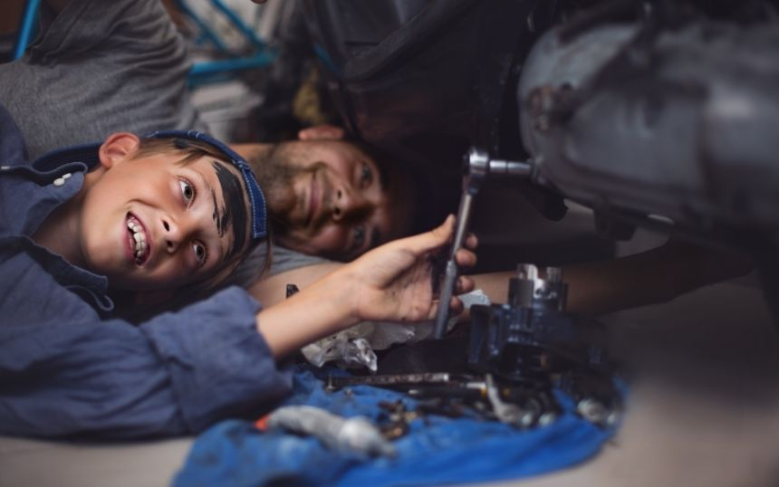 Why It's Important To Teach Your Kids About Car Repairs
