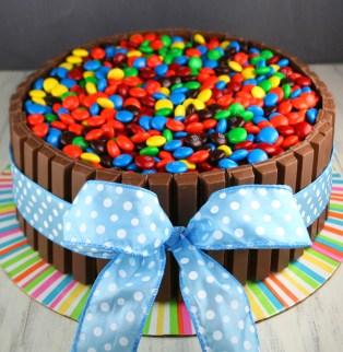 Kit-Kat-Cake-Square