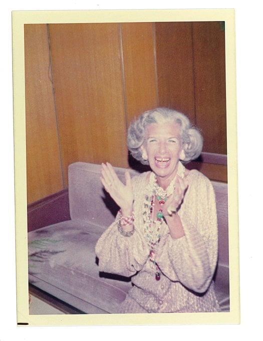 Style Icon Iris Apfel Celebrates Her 100th Birthday At Work