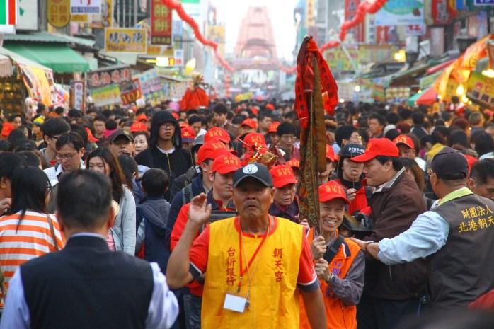 板橋沙崙潤德宮,正月初一往北港進香。(黃偉強攝影提供)