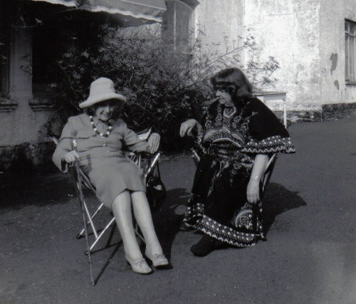 Jean_Rhys with_Mollie_Stoner,Velthams,1970s