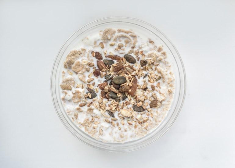 Tomas-Engelthaler-Thomas-T-Hills-Porridge-funnier-than-oatmeal-daria-nepriakhina